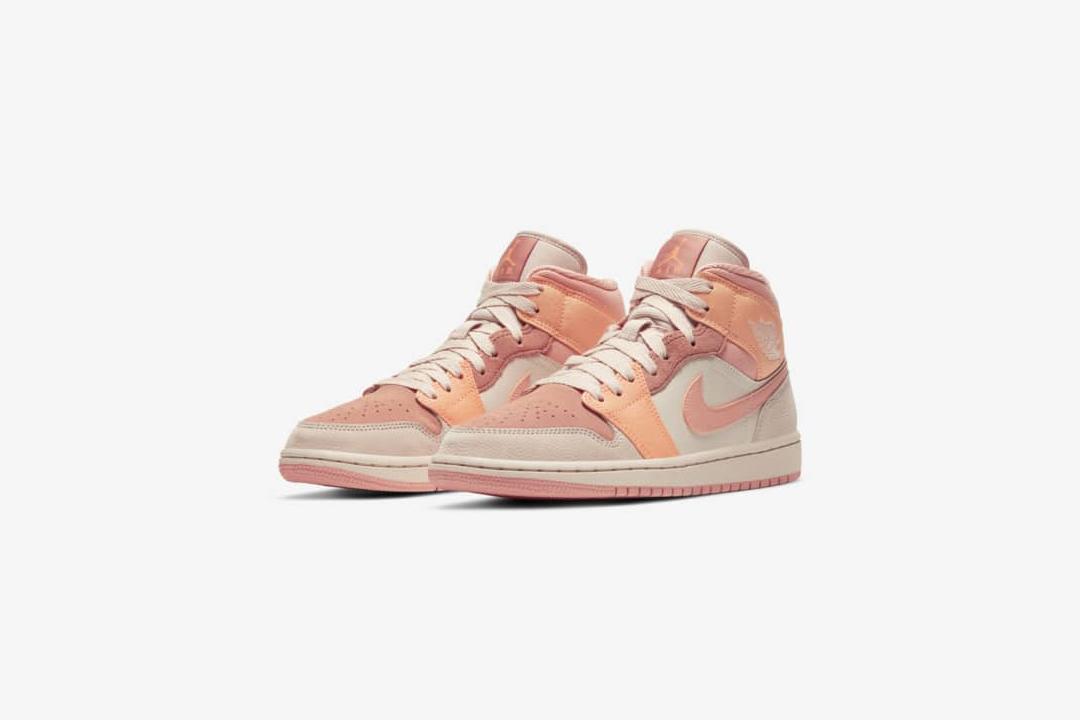 Une Air Jordan 1 Mid orangée rejoint le Nike Store
